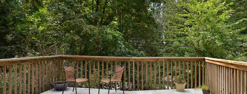 3040 Lower Rd Roberts Creek deck in the woods